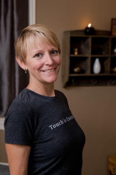 Julie Moore, CMT